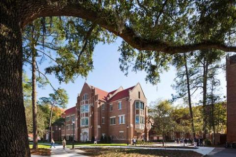 Heavener Hall at the University of Florida. Architect: Robert A.M. Stern.